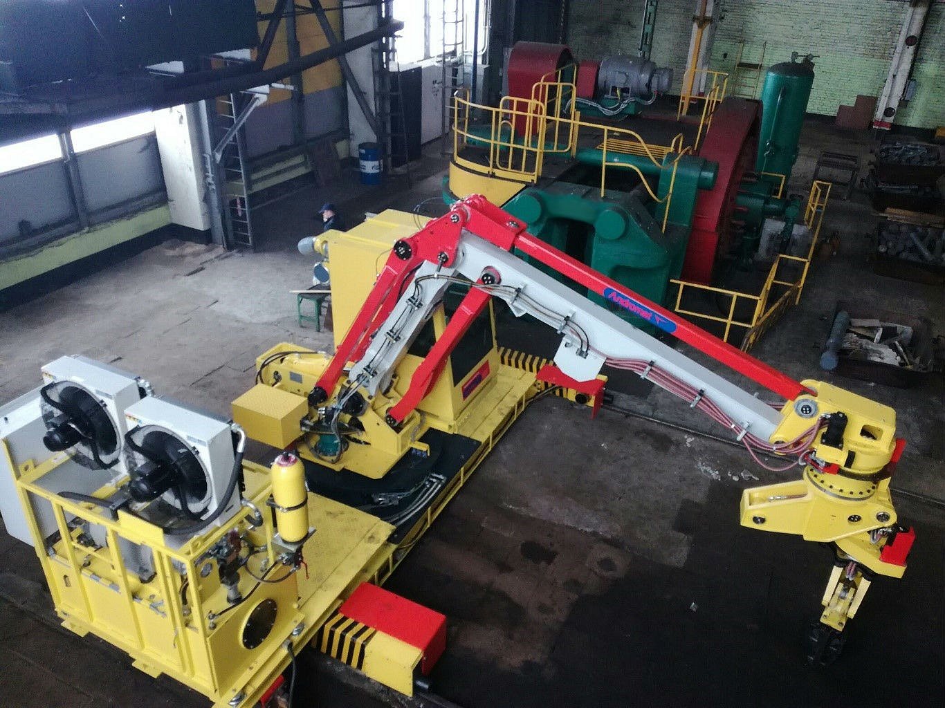 Start up of a big industrial manipulator at OJSC Power Machines